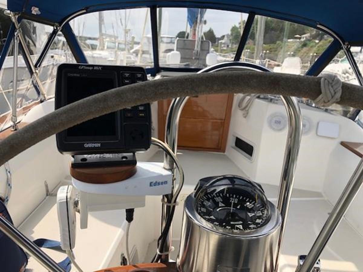 From behind the wheel 1989 SABRE YACHTS 38 MKII Sloop 2207639