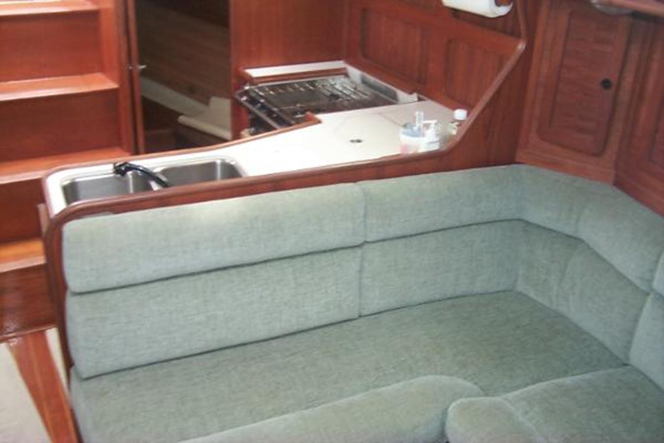 Main cabin settee 1989 SABRE YACHTS 38 MKII Sloop 2207657