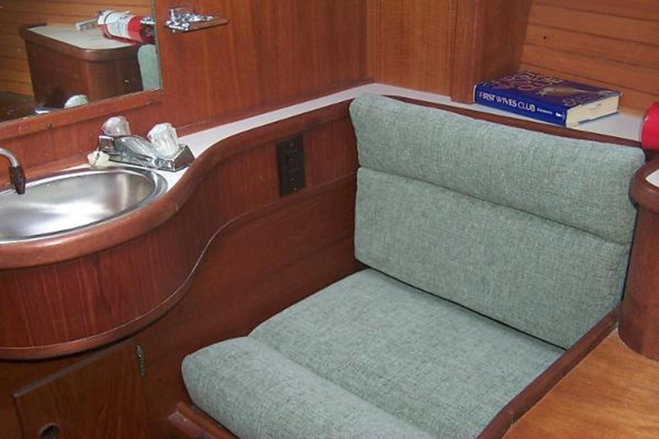 Vanity 1989 SABRE YACHTS 38 MKII Sloop 2207660