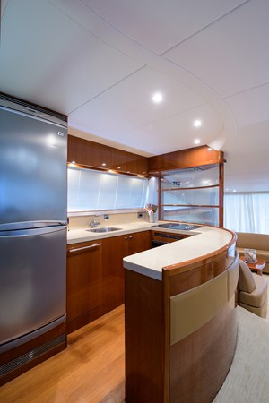 2007 PRINCESS YACHTS Flybridge Motor Yacht  Cruiser 2210217