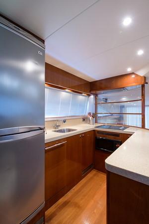 2007 PRINCESS YACHTS Flybridge Motor Yacht  Cruiser 2210233
