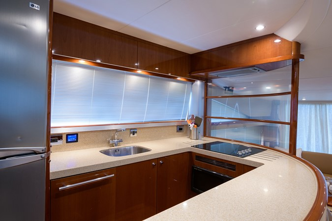 2007 PRINCESS YACHTS Flybridge Motor Yacht  Cruiser 2210248