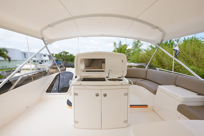2007 PRINCESS YACHTS Flybridge Motor Yacht  Cruiser 2210250