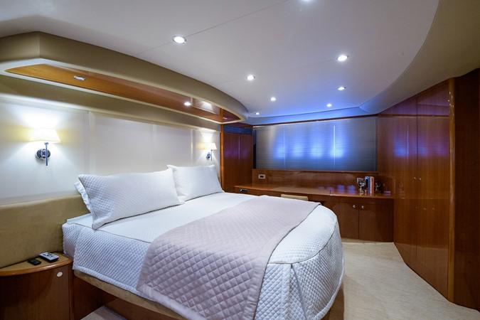 2007 PRINCESS YACHTS Flybridge Motor Yacht  Cruiser 2210281
