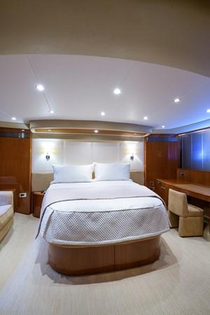 2007 PRINCESS YACHTS Flybridge Motor Yacht  Cruiser 2210282
