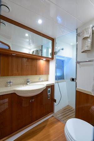 2007 PRINCESS YACHTS Flybridge Motor Yacht  Cruiser 2210290