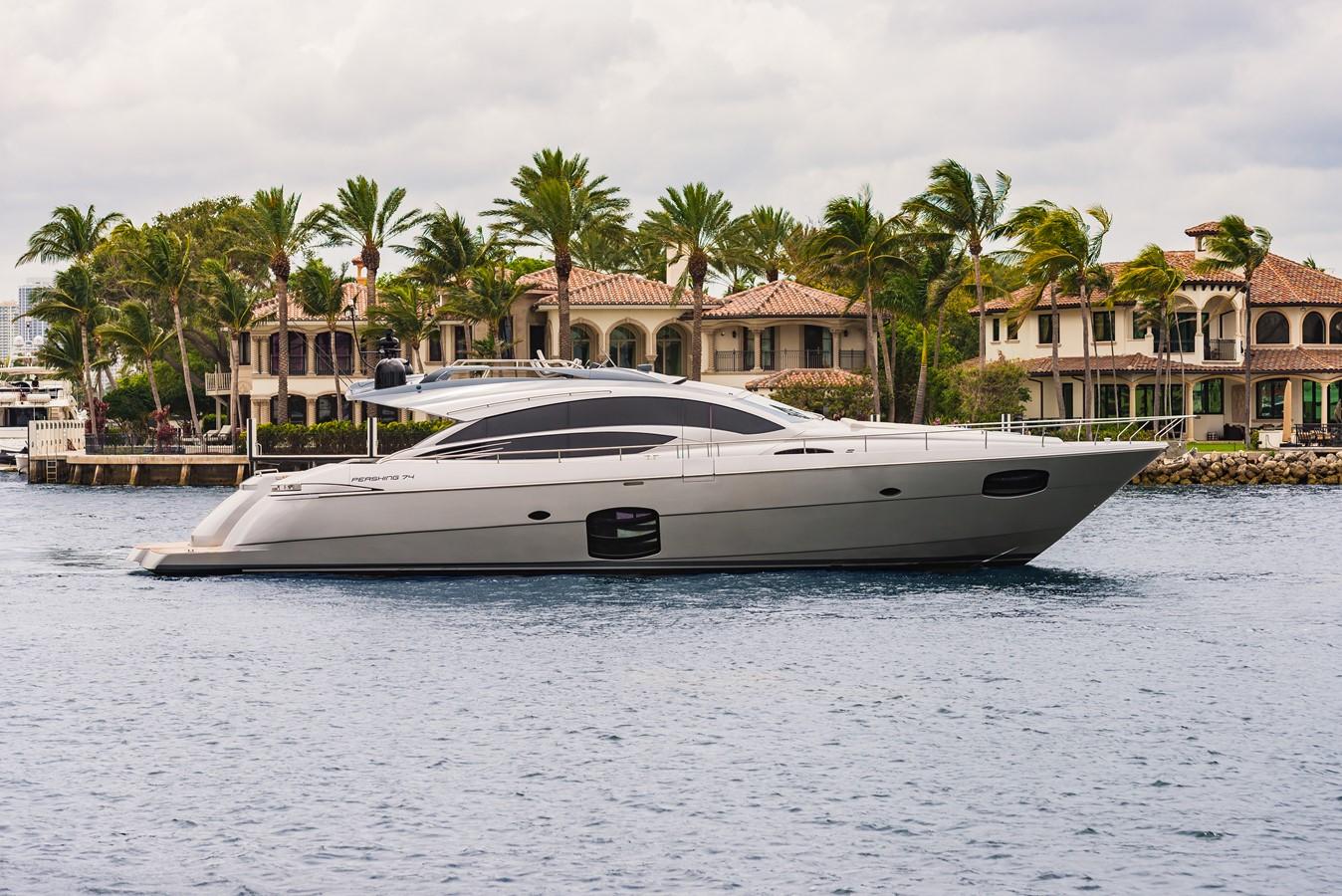2016 PERSHING 74 Cruiser 2220989
