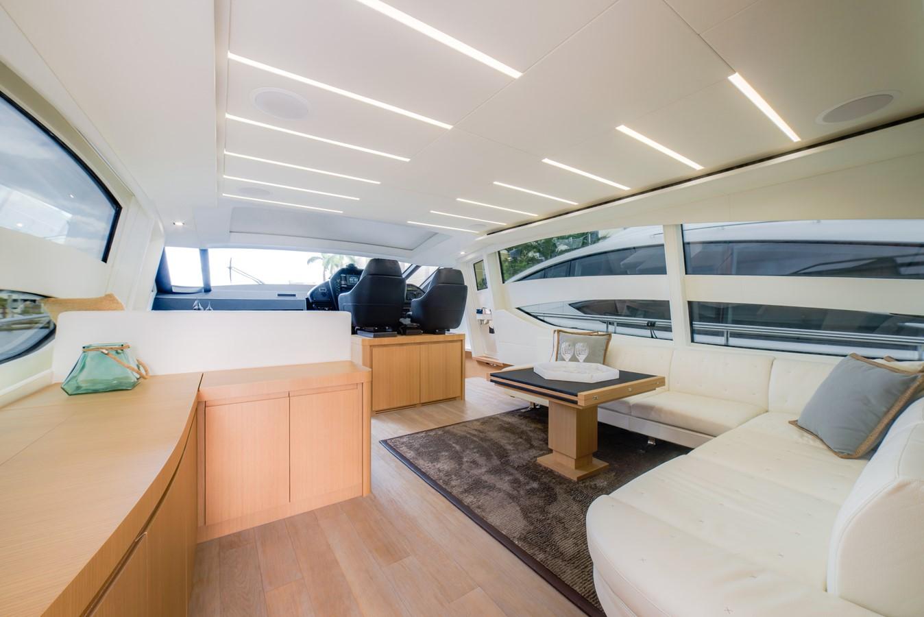 2016 PERSHING 74 Cruiser 2221007