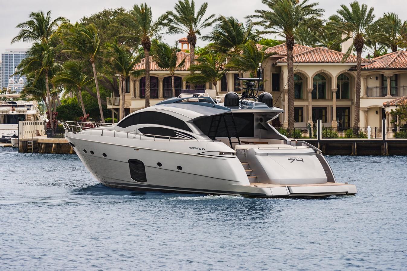 2016 PERSHING 74 Cruiser 2221008