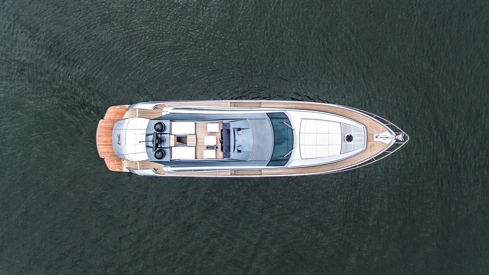 2016 PERSHING 74 Cruiser 2221026