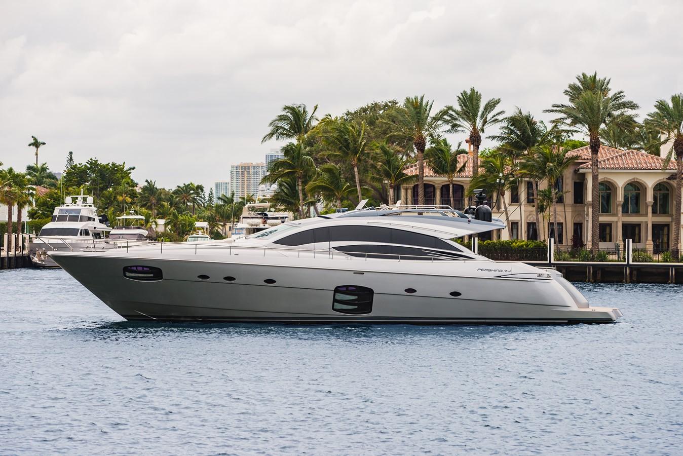 2016 PERSHING 74 Cruiser 2221030