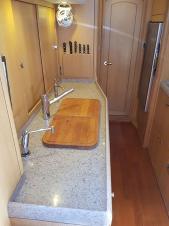 2011 OYSTER MARINE LTD Oyster 575 Center Cockpit 2480795