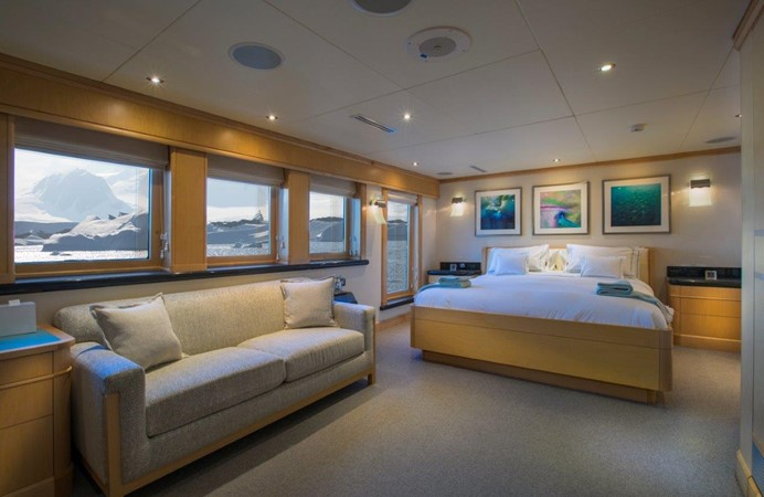 Owner's Stateroom 1974 AUROUX SHIPYARD Research Yacht  2223339