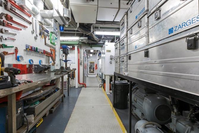 Engine Room 1974 AUROUX SHIPYARD Research Yacht  2223350