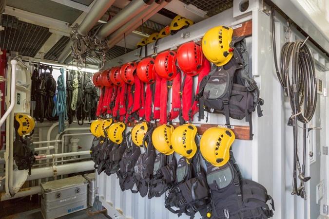 Safety Station 1974 AUROUX SHIPYARD Research Yacht  2223369