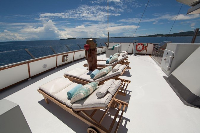 Sundeck Lounging 1974 AUROUX SHIPYARD Research Yacht  2223371