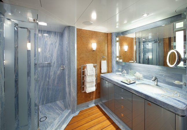 Sapphire Guest Bath 2010 NOBISKRUG  Motor Yacht 2317453