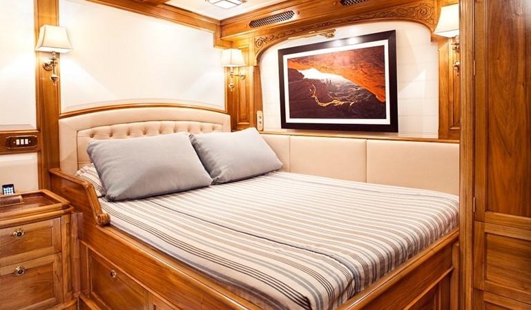 2009 ROYAL HUISMAN  Racing Sailboat 2525465
