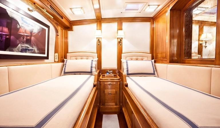 2009 ROYAL HUISMAN  Racing Sailboat 2525466