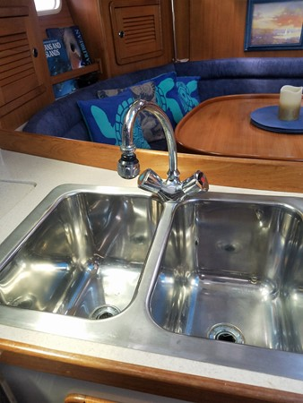 2001 CATALINA Mk II 2 Cabin Cruising Sailboat 2233643