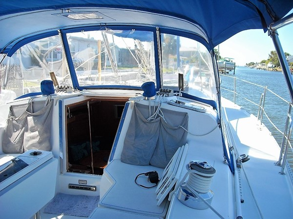 2001 CATALINA Mk II 2 Cabin Cruising Sailboat 2233659
