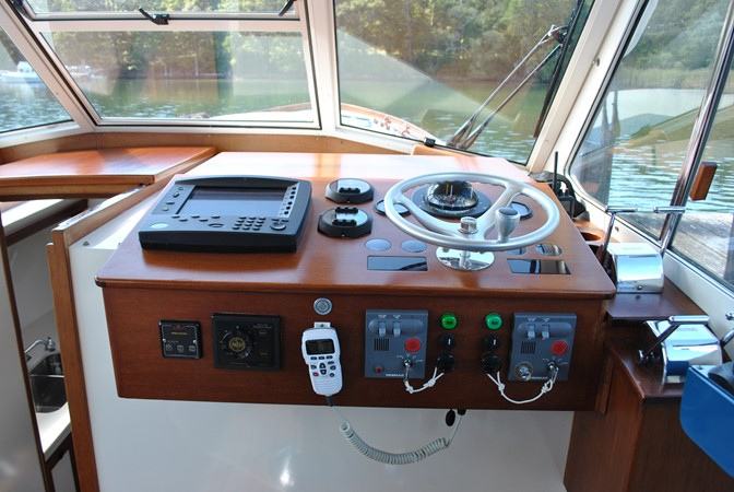 2000 GOETZ CUSTOM BOATS Express Motor Yacht 2234001