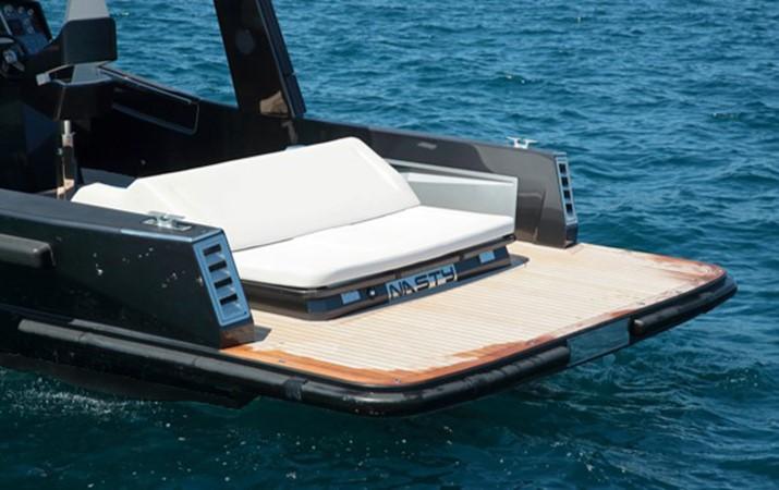 2011 MAORI 50 T-TOP Tender 2312228