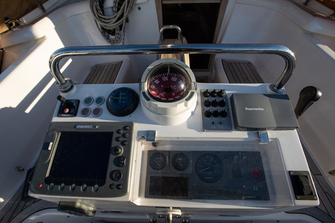 2006 DISCOVERY Discovery 55 Center Cockpit 2387064
