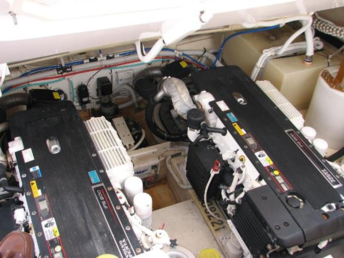 Engine Room 2008 TIARA 4300 Sovran Express 2249884