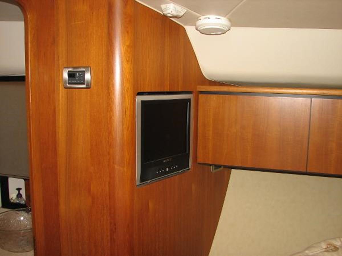 Owner's Stateroom Entertainment 2008 TIARA 4300 Sovran Express 2249885