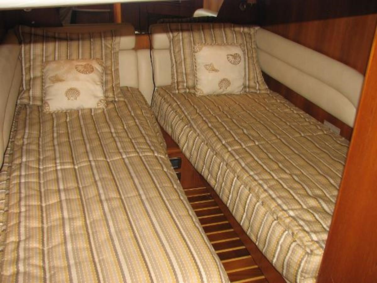 Aft Stateroom 2008 TIARA 4300 Sovran Express 2249897