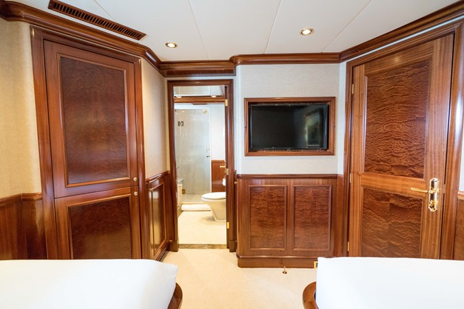 2010 RICHMOND YACHTS 150 Tri-Deck  Motor Yacht 2256256