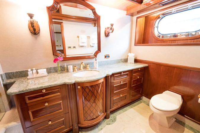 2010 RICHMOND YACHTS 150 Tri-Deck  Motor Yacht 2256267