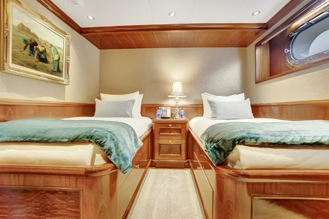 2010 RICHMOND YACHTS 150 Tri-Deck  Motor Yacht 2755281