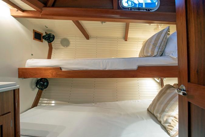 Fwd. Guest Cabin 1999 LYMAN MORSE BOAT CO. Hood Custom 60 Aft Cockpit 2339872