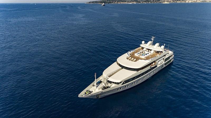 2003 AUSTAL  Mega Yacht 2261176