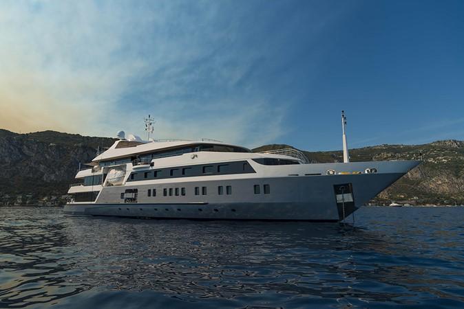 2003 AUSTAL  Mega Yacht 2261190