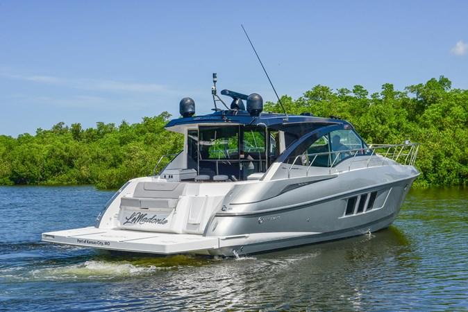 2016 Cruisers Yachts 45 Cantius  2619709