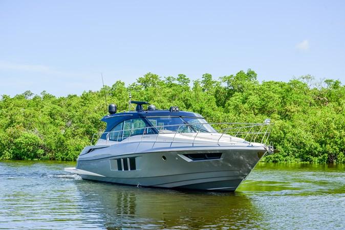 2016 Cruisers Yachts 45 Cantius  2619711