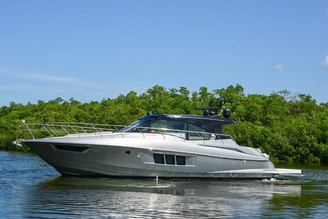 2016 Cruisers Yachts 45 Cantius  2619712