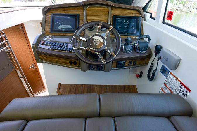 2016 Cruisers Yachts 45 Cantius  2619715