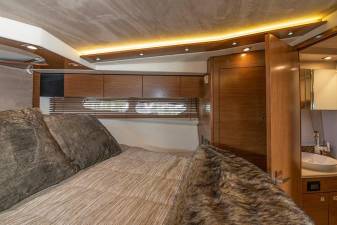 2016 Cruisers Yachts 45 Cantius  2619723