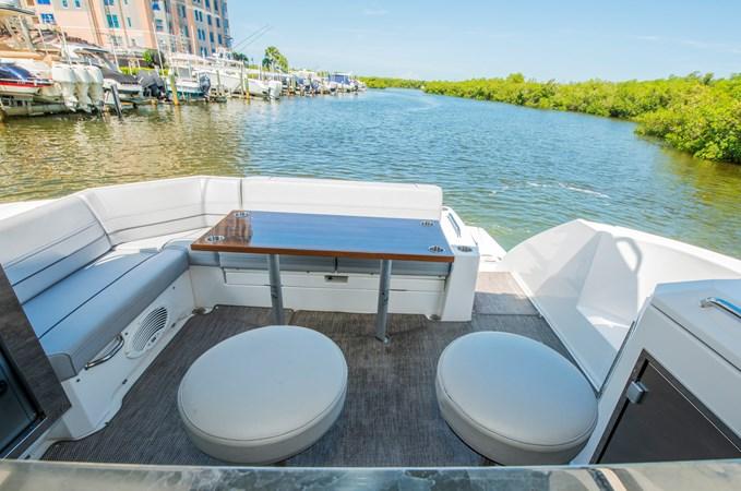 2016 Cruisers Yachts 45 Cantius  2619724