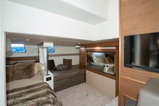 2016 Cruisers Yachts 45 Cantius  2619757