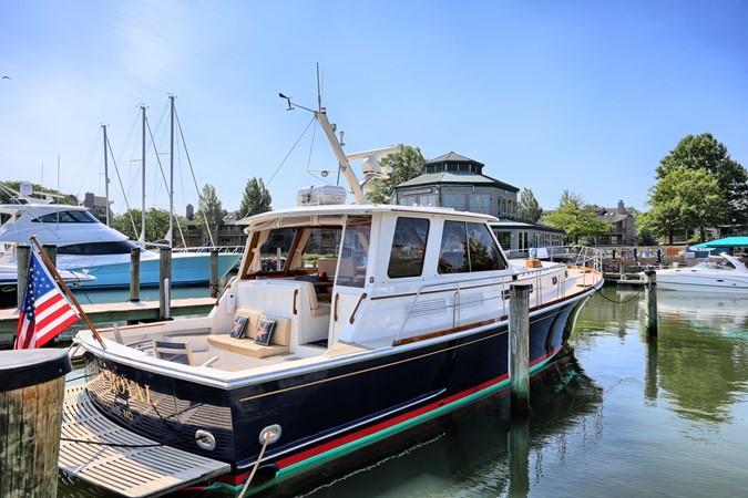 4 1999 GRAND BANKS 49 Eastbay Motor Yacht 2660678