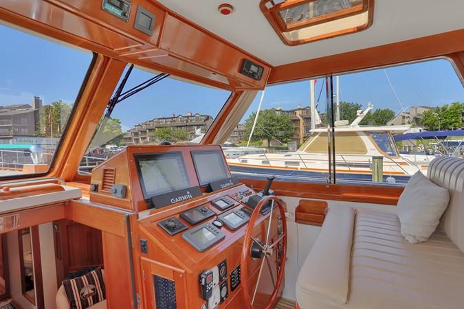 16 1999 GRAND BANKS 49 Eastbay Motor Yacht 2660689