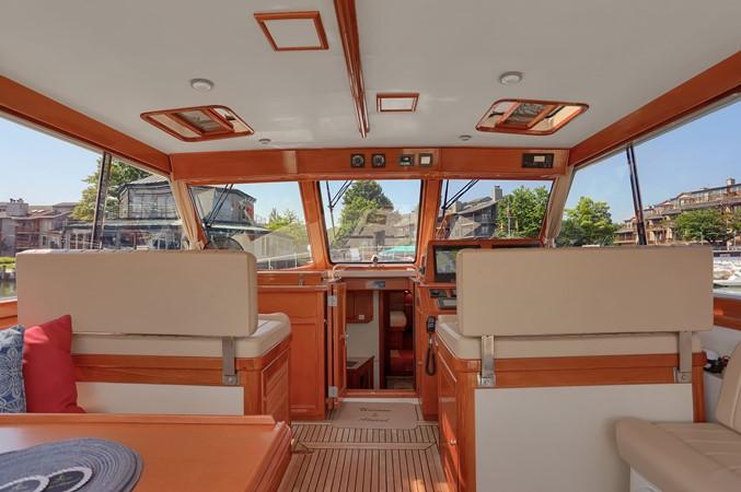 18 1999 GRAND BANKS 49 Eastbay Motor Yacht 2660690