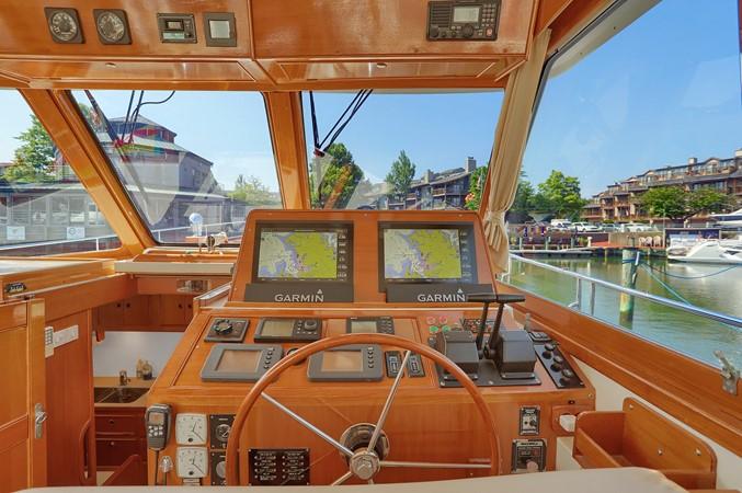 20 1999 GRAND BANKS 49 Eastbay Motor Yacht 2660694