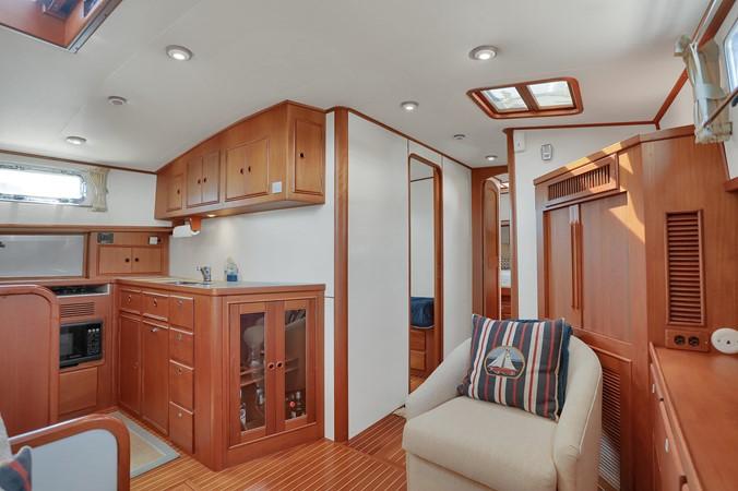34 1999 GRAND BANKS 49 Eastbay Motor Yacht 2660710