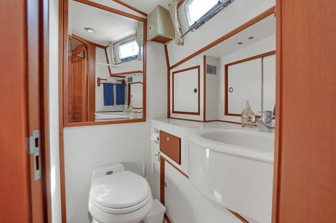 43 1999 GRAND BANKS 49 Eastbay Motor Yacht 2660713